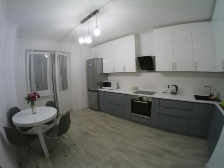 Кухня з фарбованими фасадами МДФ для Олександра та Олександри (Київ)