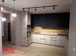 Современная кухня с пленочными суперматовыми фасадами