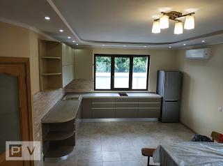Кухня с крашеными фасадами на Осокорках