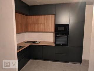 Сучасна кухня без ручок в Києві
