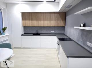 Дизайнерская кухня с интегрированными ручками