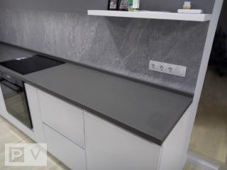 Дизайнерська кухня з інтегрованими ручками